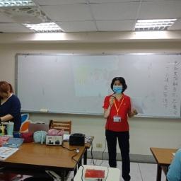 志工到班級佈達課程招生及共同科目週講座
